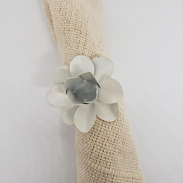 Argola flor branca - Imagem: 3