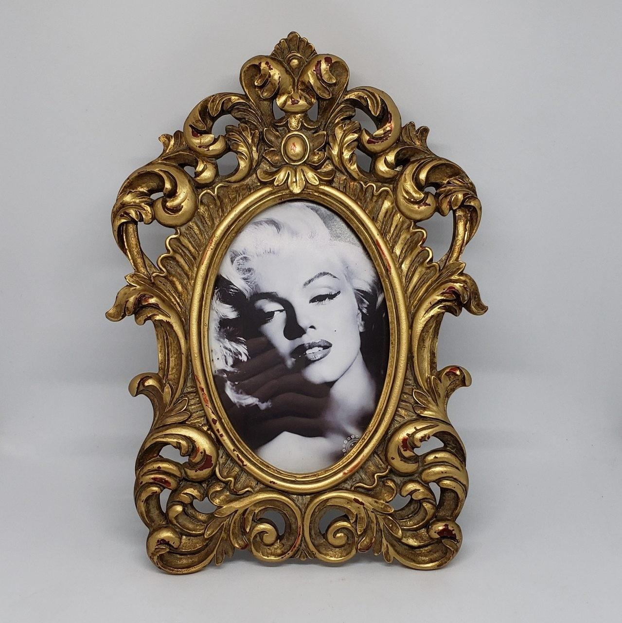 Porta-retrato dourado